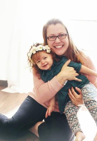 stephanie-onken-daughter-oh-so-sociable